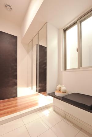 キッチン収納は「らくパッと収納」を採用。
