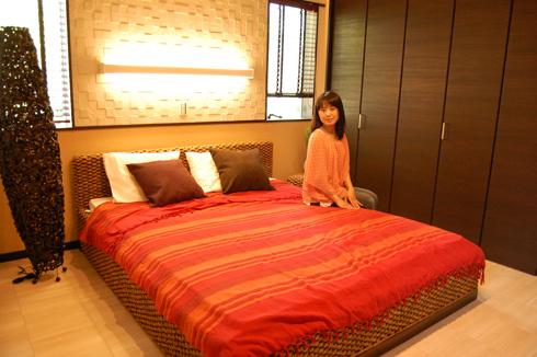 疲れた身体をやさしく包み込む癒しの主寝室。