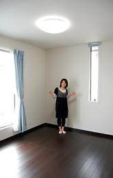 洋室は全室2面採光で明るいですよ。
